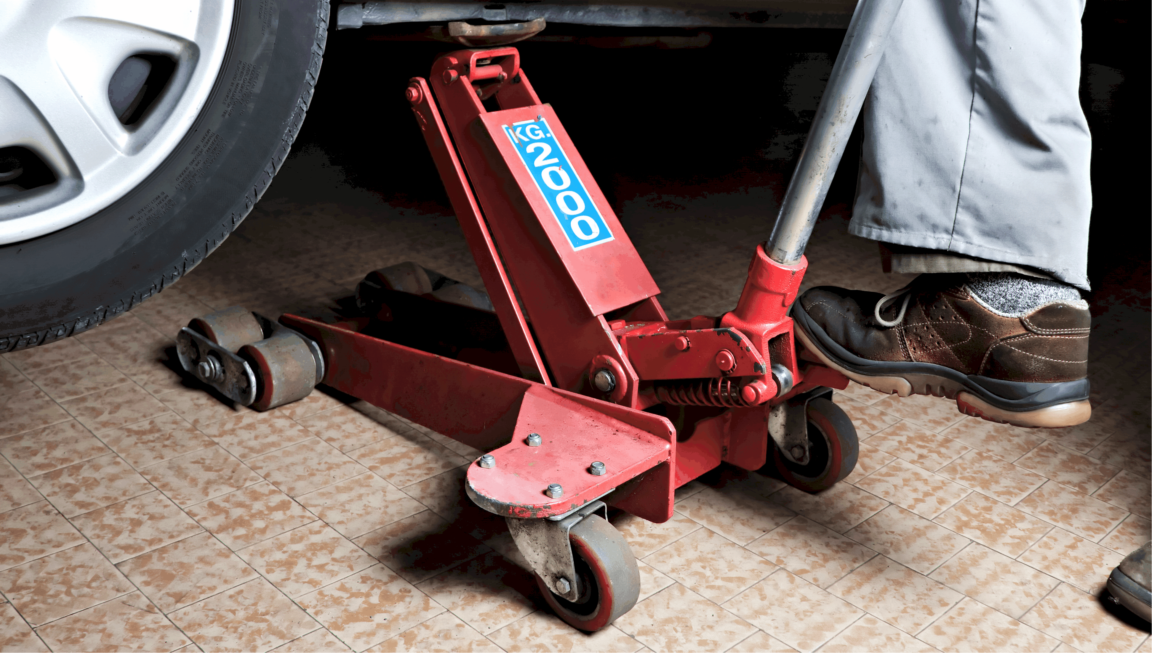 Best Floor Jack Of 2019 Perfect For The Workshop The Vehicle Lab